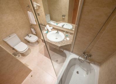 Bathroom Hotel California Palace Salou