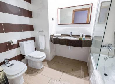Bathroom Hotel California Garden  Salou Tarragona