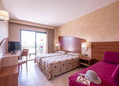 Rooms with balcony Hotel California Palace Salou Tarragona