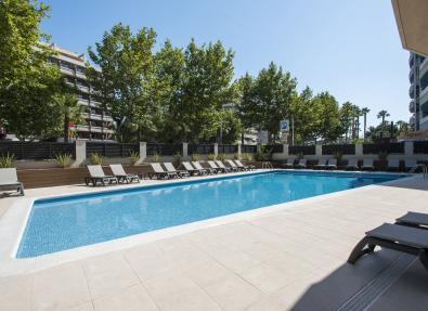 Piscina exterior Apartaments California Salou Tarragona