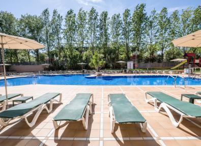 Pool and loungers Hotel California Palace Salou Tarragona