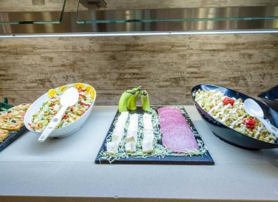 Salades assorties Restaurant buffet Appartements California Salou Tarragona
