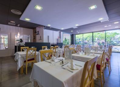 Elegant restaurant Hotel California Palace Salou Tarragona